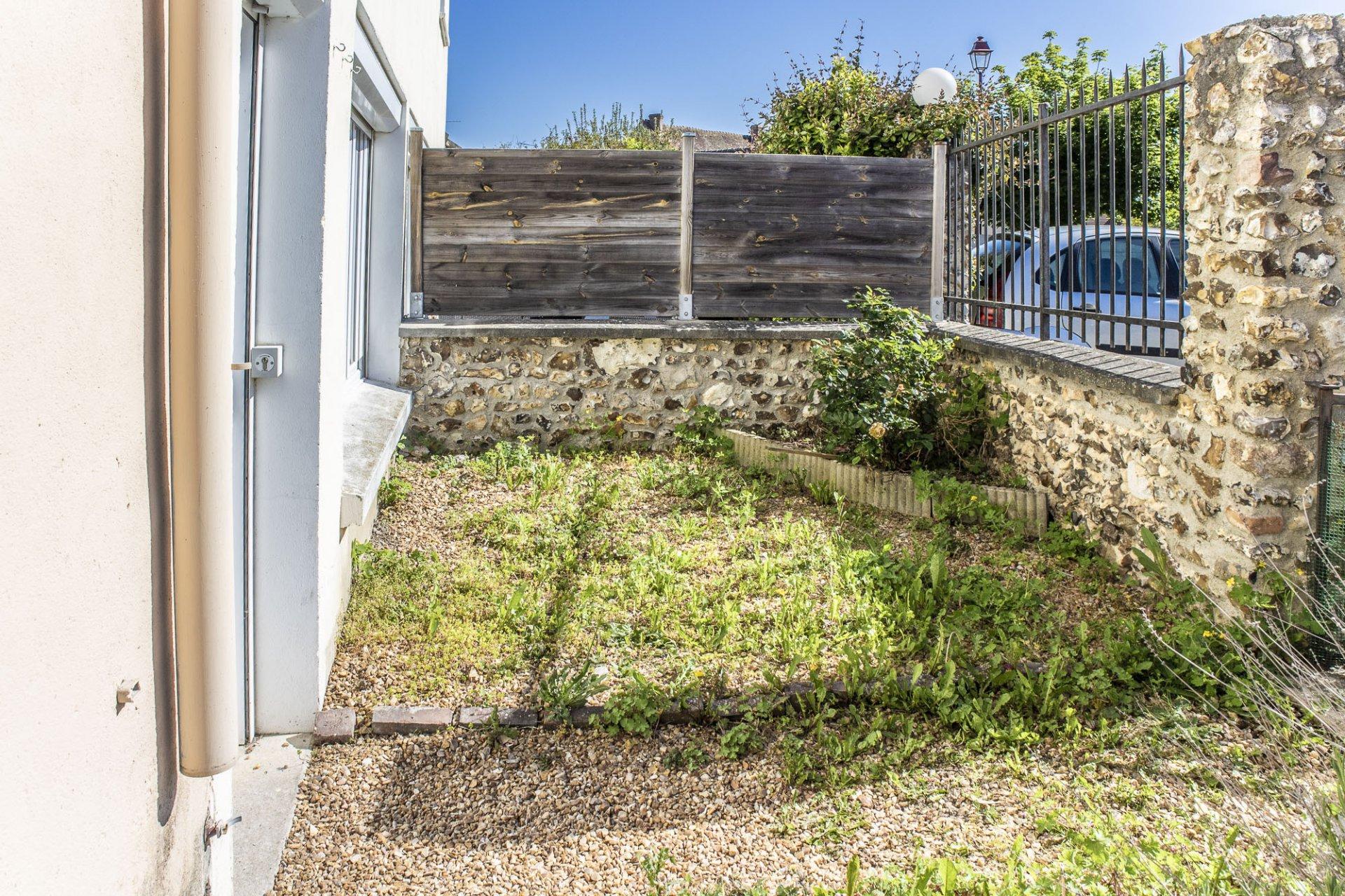 Maison de ville (2 pièces) avec jardinet