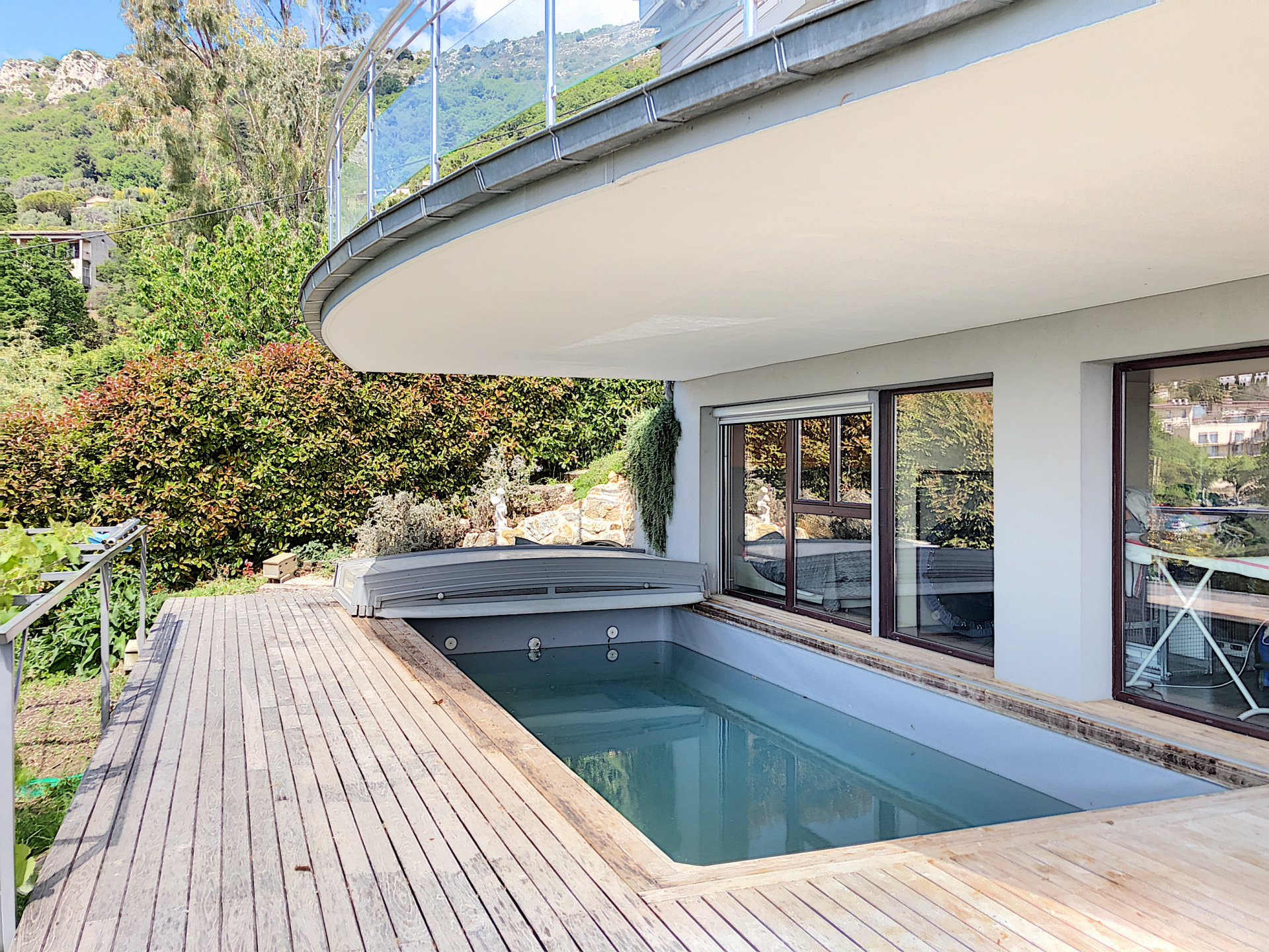 Vence (06140) - Villa contemporaine - 250m2 - Piscine