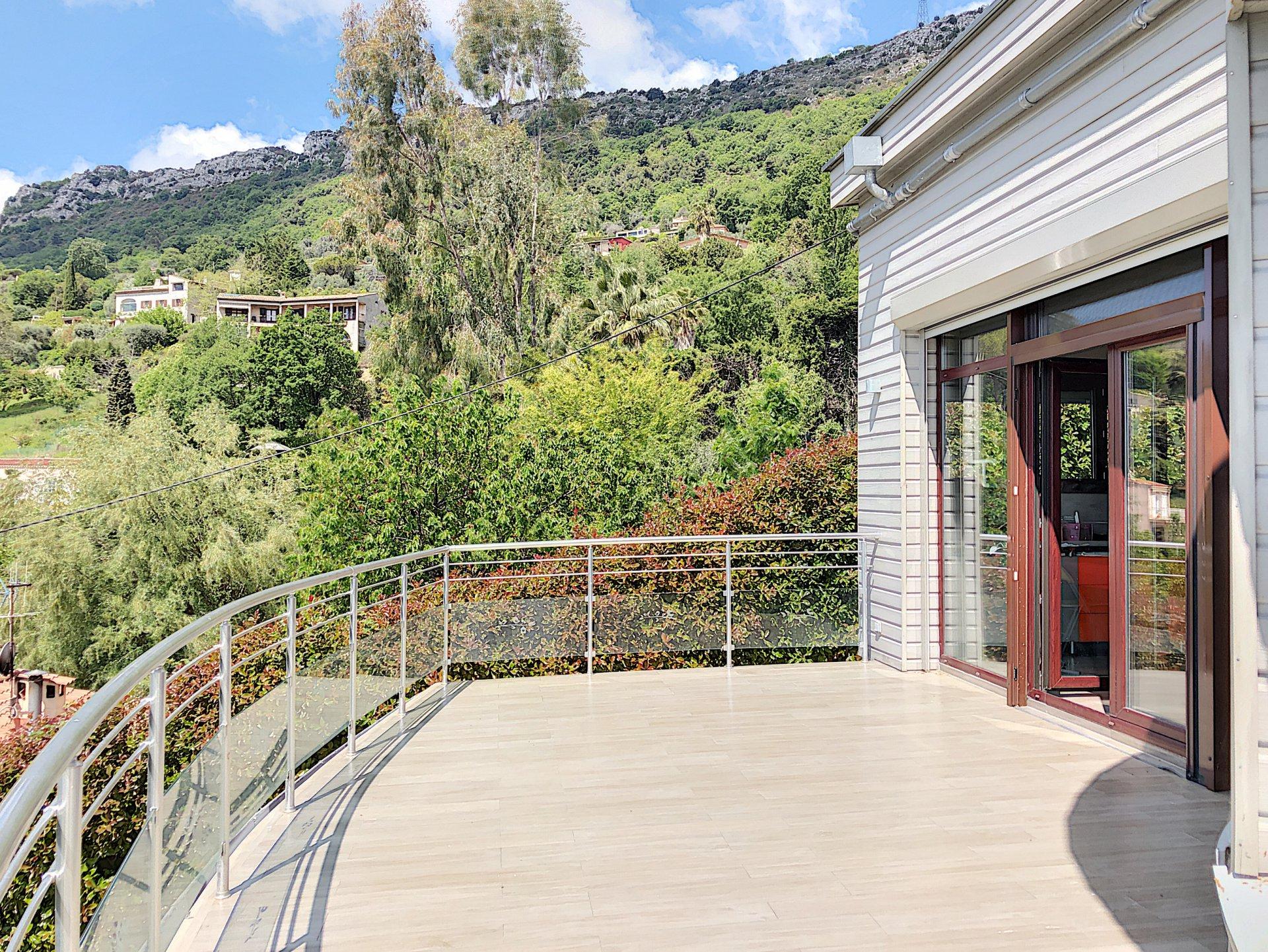 Vence (06140) - Villa contemporaine - 250m2 - Piscine