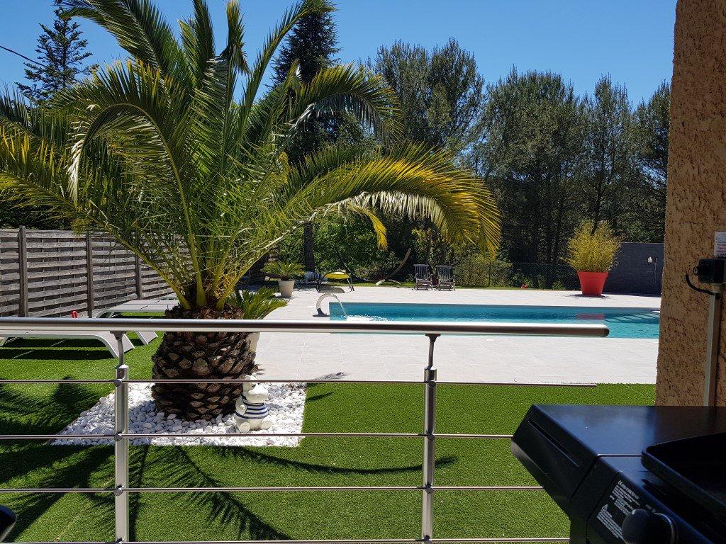 Villa T7 220 m² + Dépendances sur 1600 m²