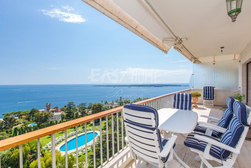 Purchase / Sale Duplex in Cannes Californie with panoramic sea view