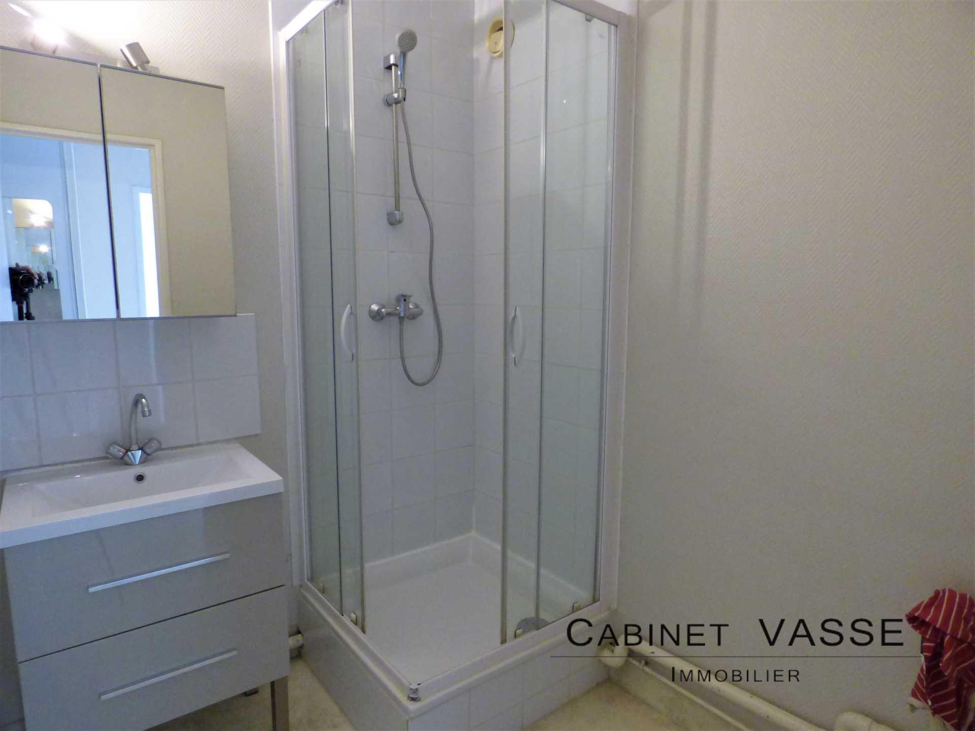 salle d'eau, douche, fibre de verre, caen, vasse, a louer