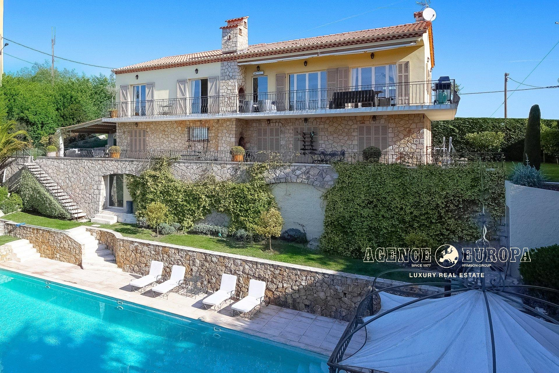SUPER CANNES - MODERN VILLA WITH SEA VIEW