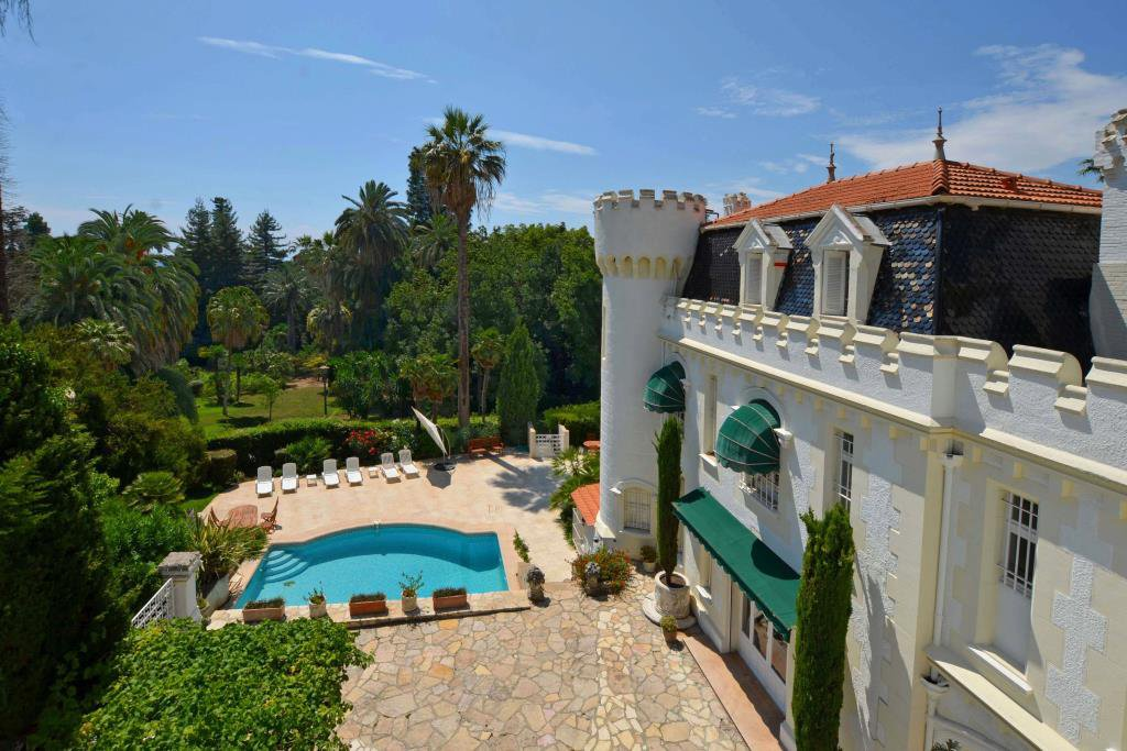 CANNES CROIX DES GARDES - DELIGHTFUL HISTORIC HOUSE OF 330 M²