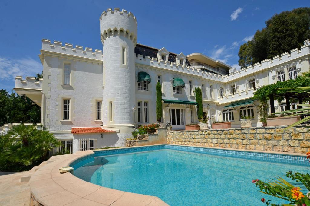 CANNES CROIX DES GARDES - DELIGHTFUL HISTORIC HOUSE OF 330 M²