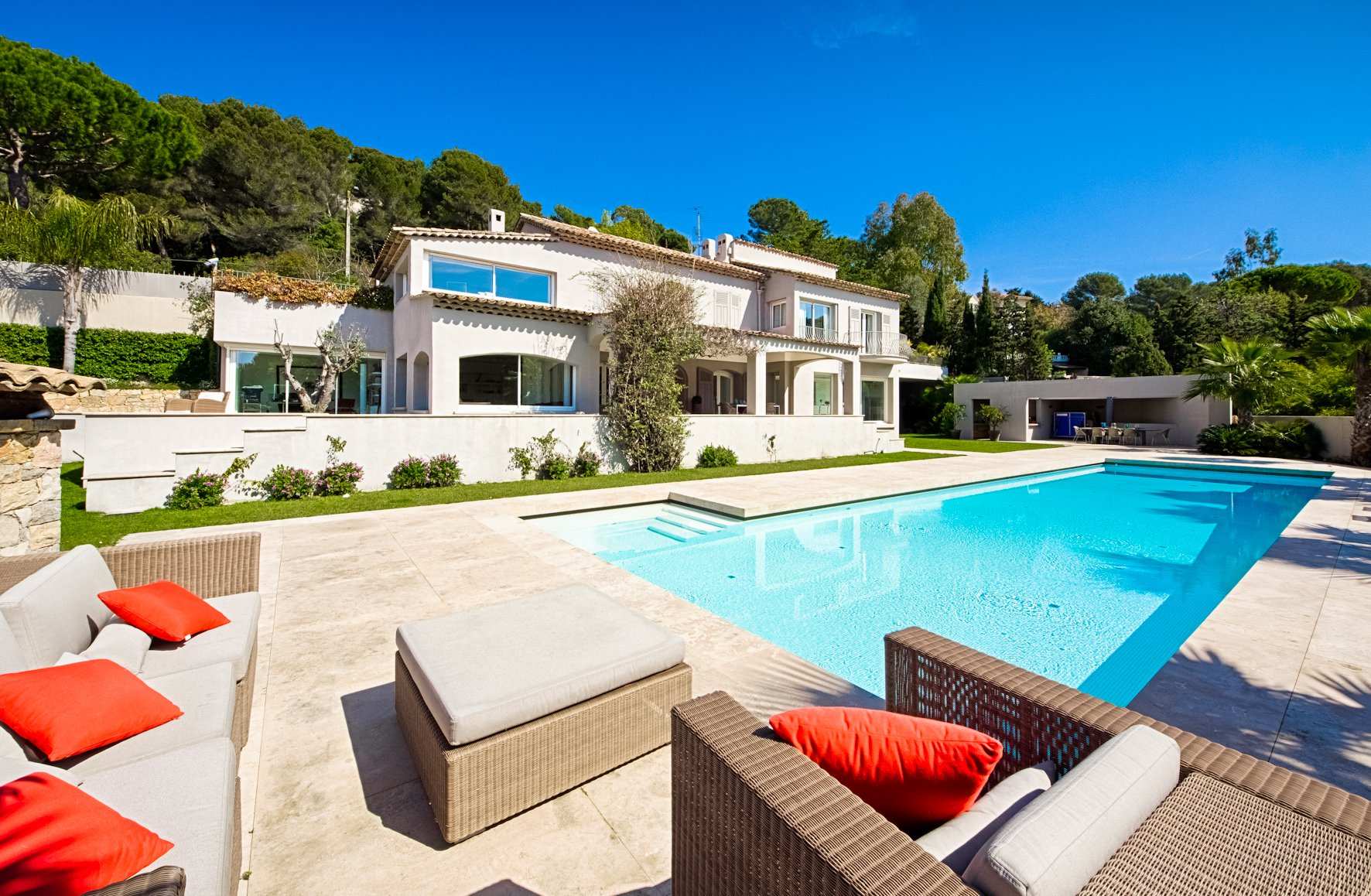 CANNES CALIFORNIE - DELIGHTFUL PROPERTY OF 400 M²