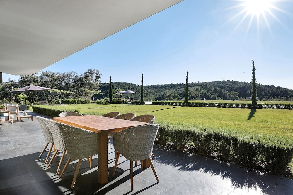 TANNERON - REMARKABLE RECENT PROPERTY WITH A RESOLUTELY CONTEMPORARY STYLE