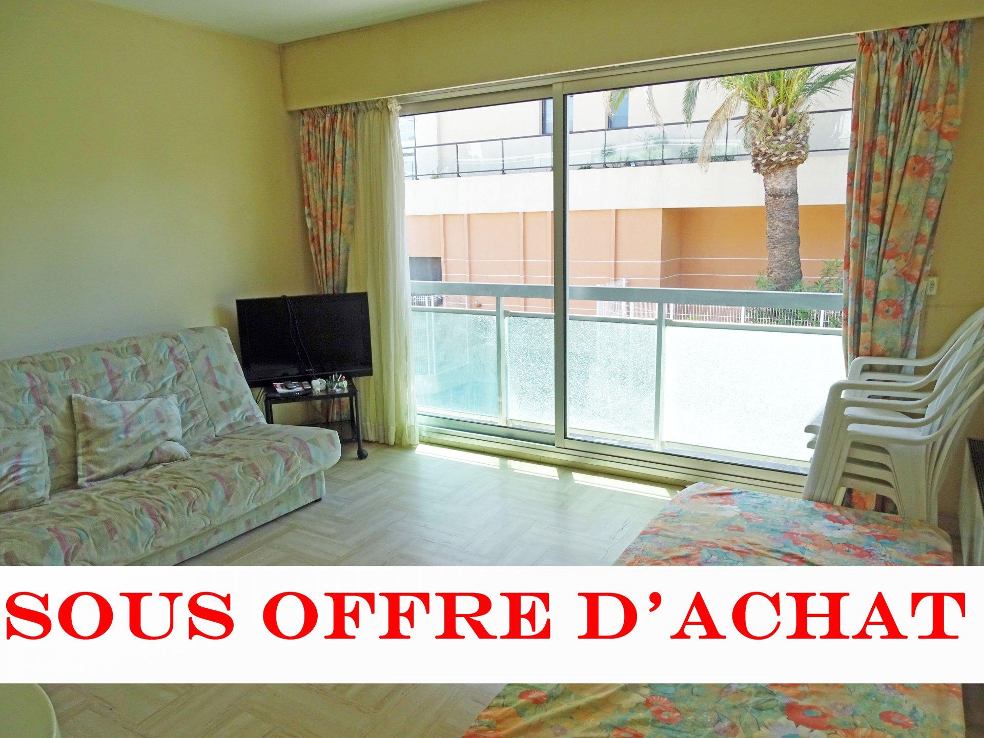 Sale Studio - Cannes Palm Beach