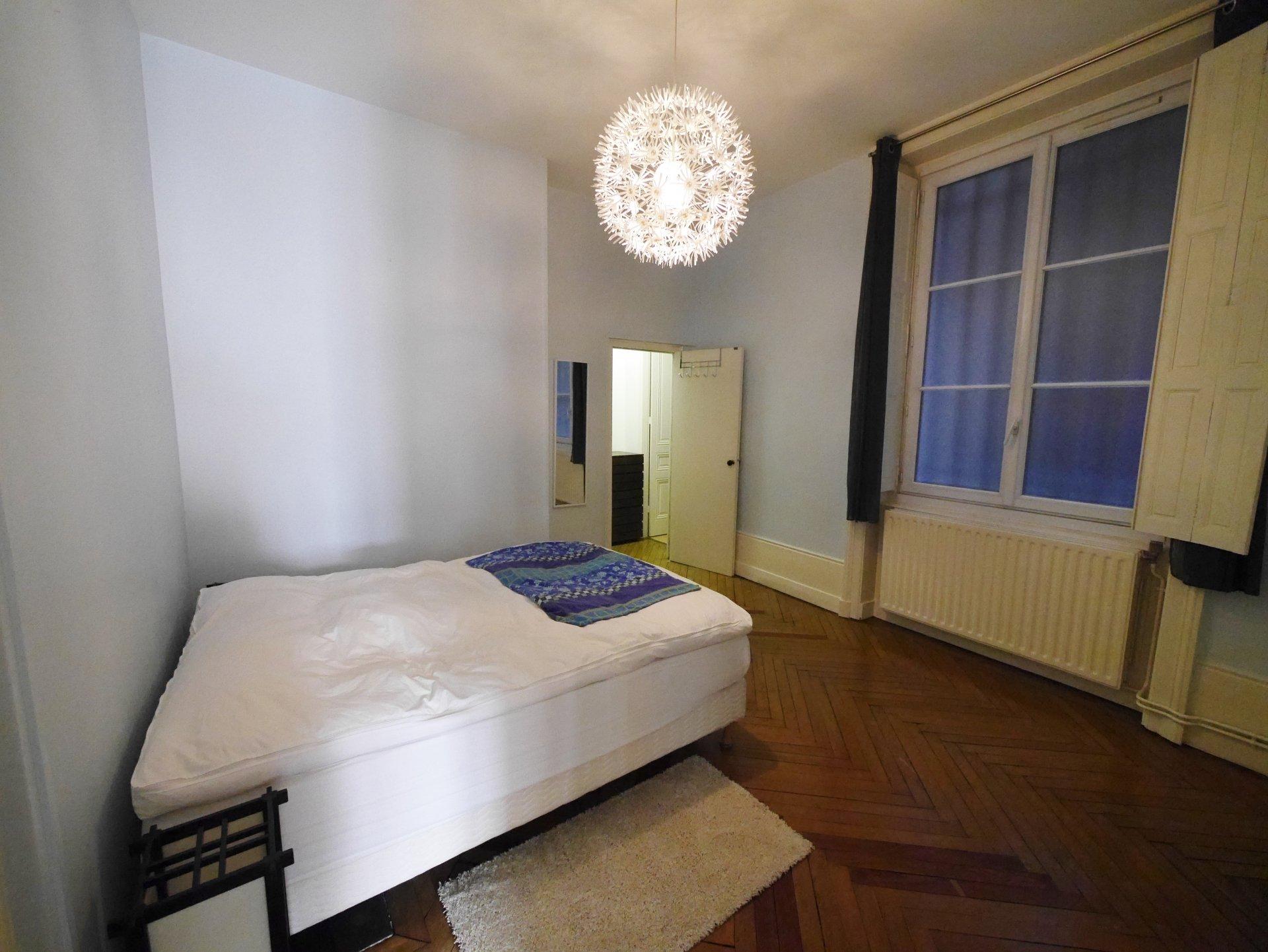 T2 meublé de 75 m² prox métro Ampère