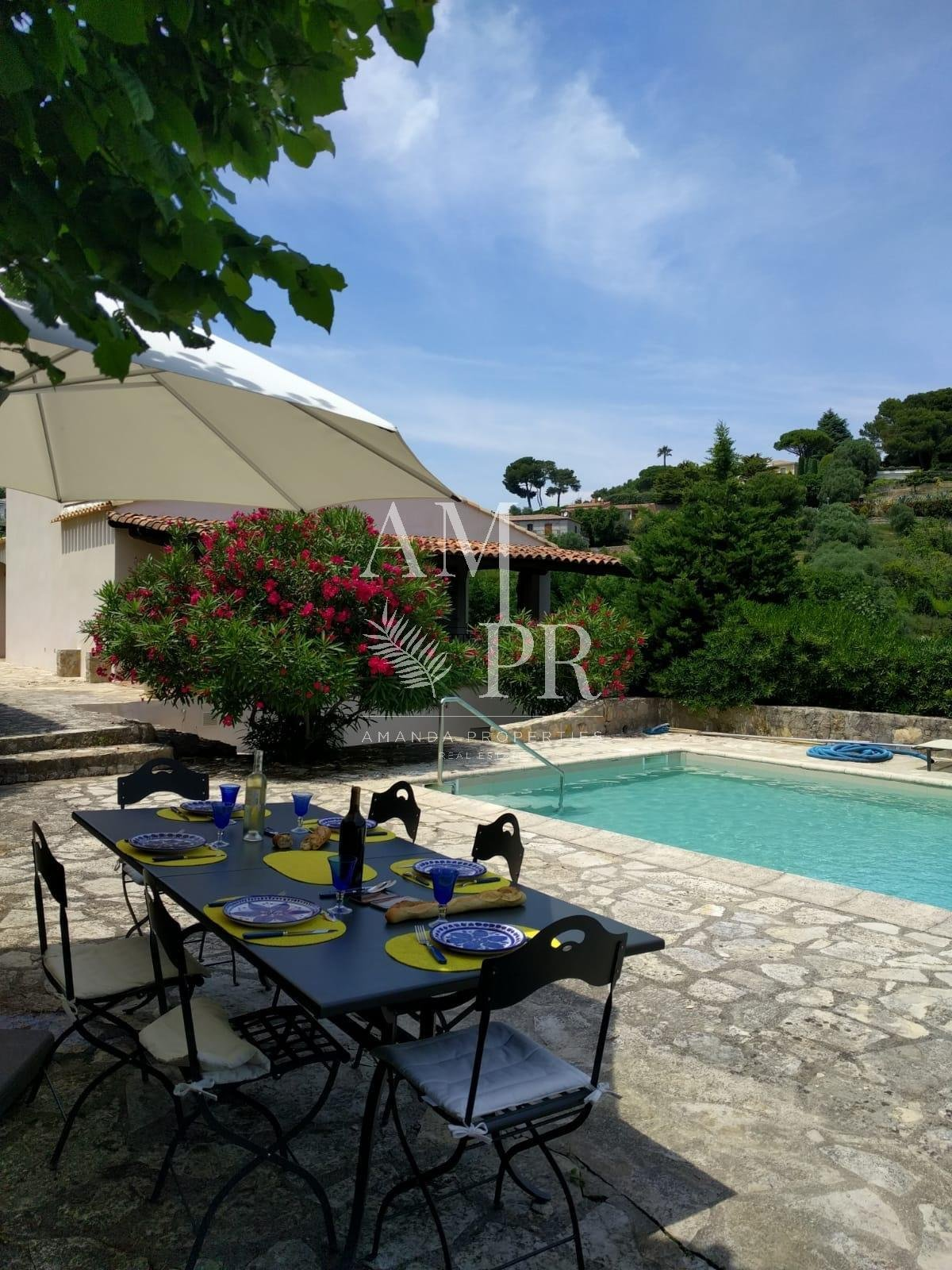 CANNES VILLA 14 PEOPLE SEASONNAL RENTAL CONGRESSES/LONG PERIOD WINTER/VACATION