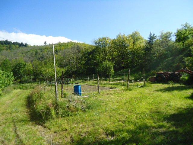 Maison avec  plus de 7 hectares de terre avec rivières