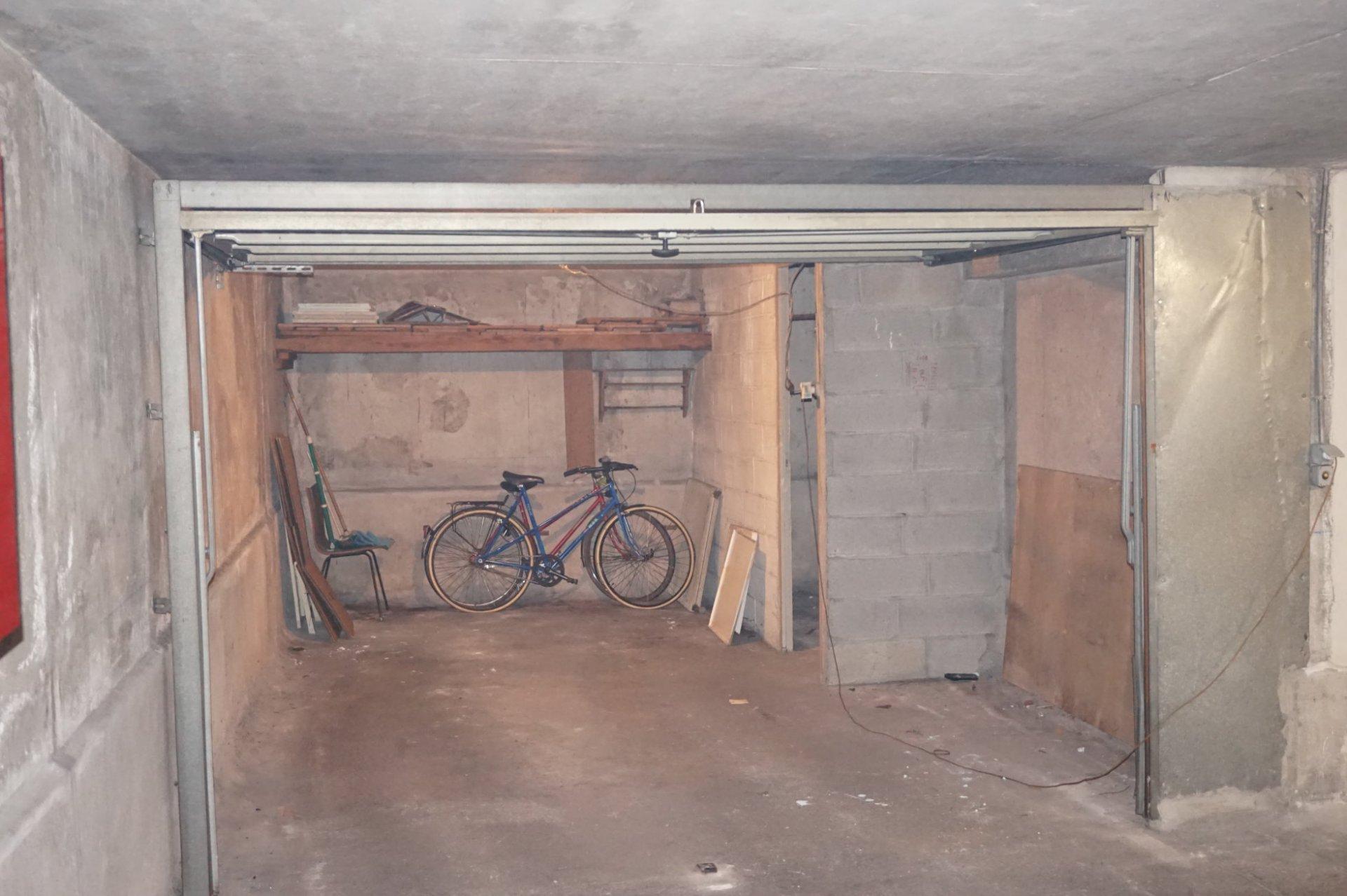 3/4 P Garage République