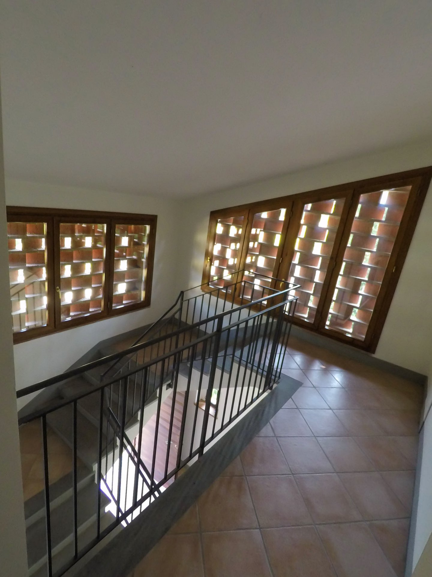 ITALY, TUSCANY, LUCCA, APARTMENT IN VILLA, SHARED POOL, 5 PERSONS, 1 BEDROOM