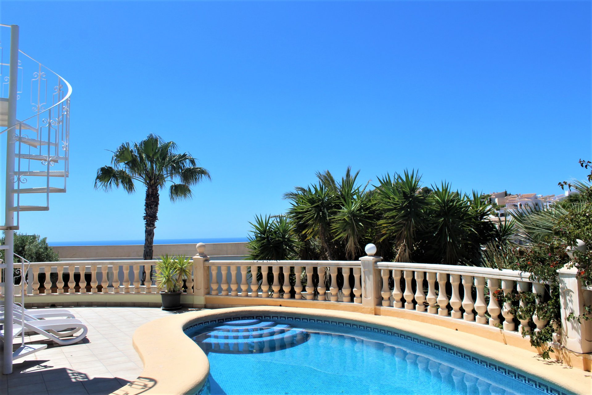 Recently renovated villa with beautiful sea view