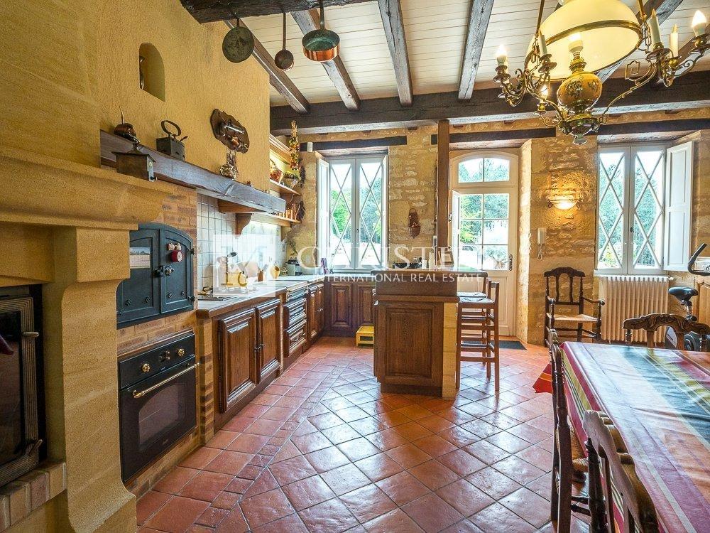 Chandelier, kitchen island