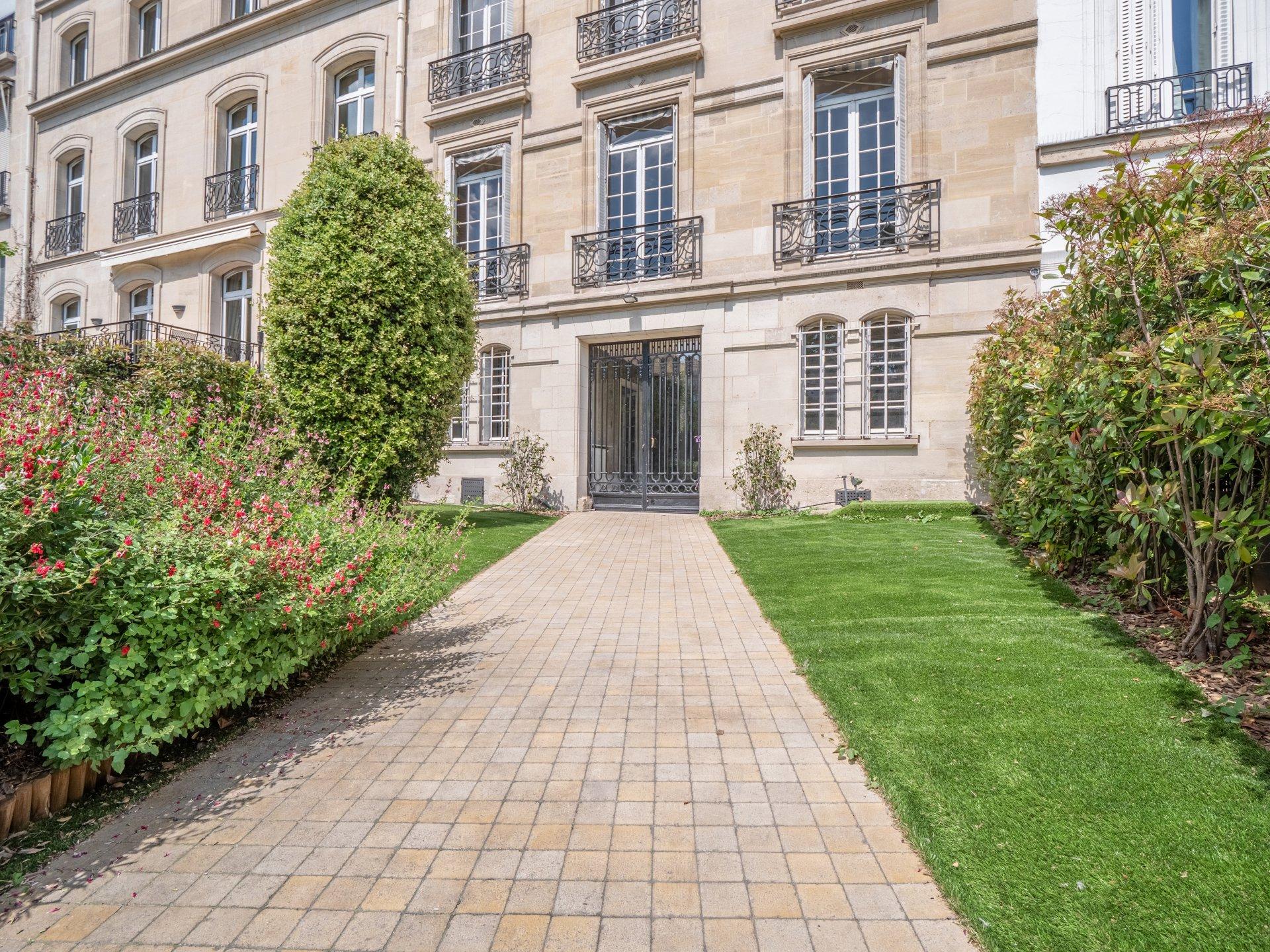 Hôtel Particulier - Paris - 75016 - Arc de triomphe