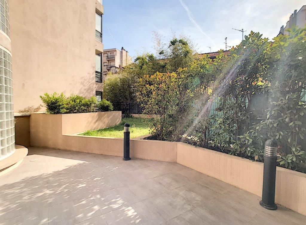 VENTE Appartement 1P Nice Libération Dernier Étage Terrasse