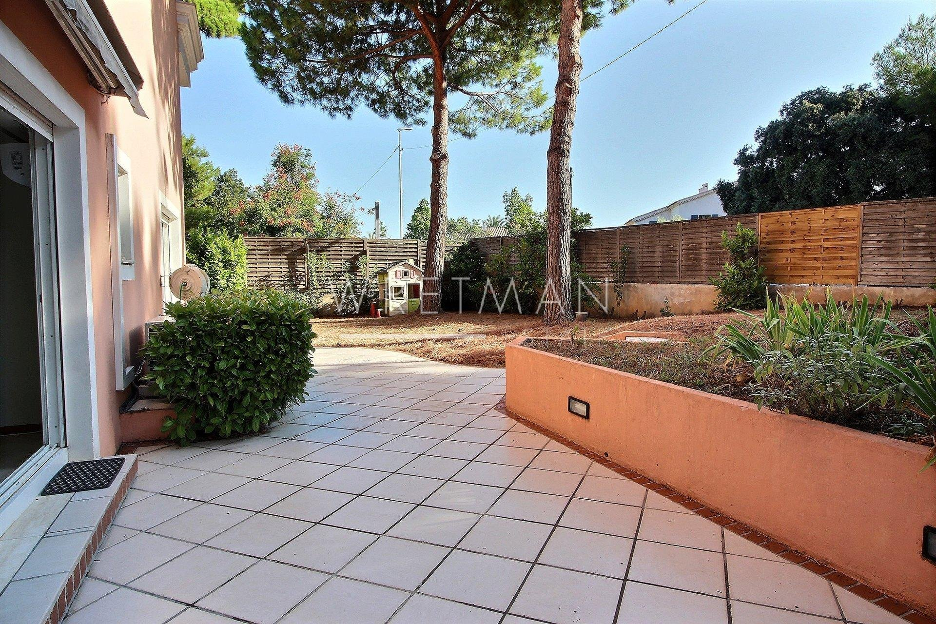 Grand appartement d'angle 3/4P  - Antibes
