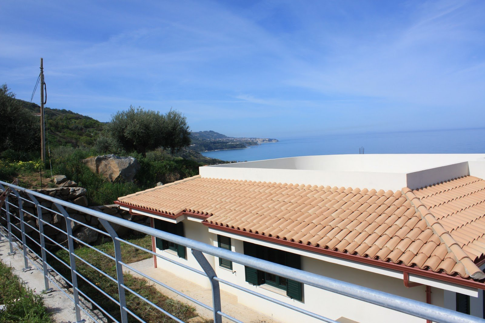 High quality development - key ready - sea views - pool possible