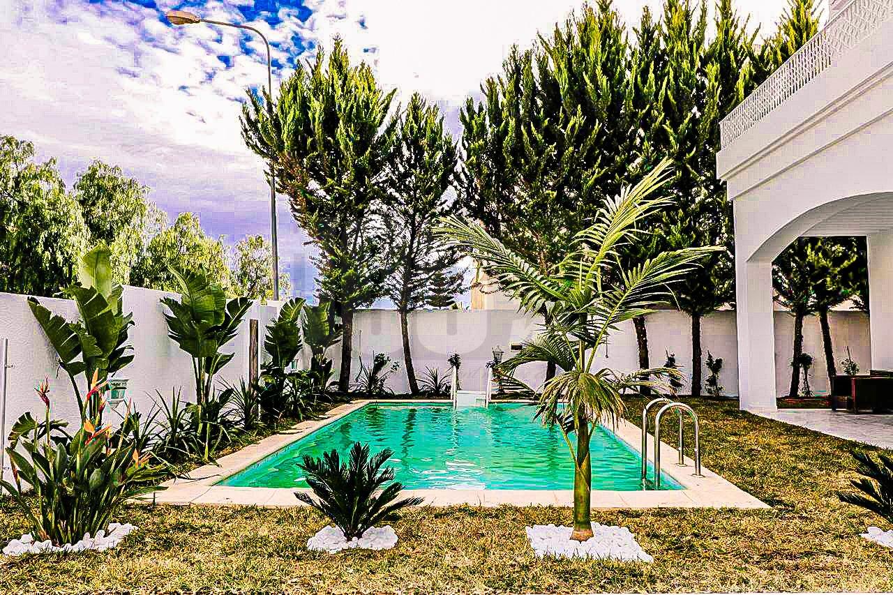 Location Villa de maître à Cité Nasser