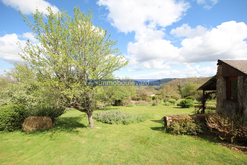 House with a beautiful view for sale at Anost in the Morvan