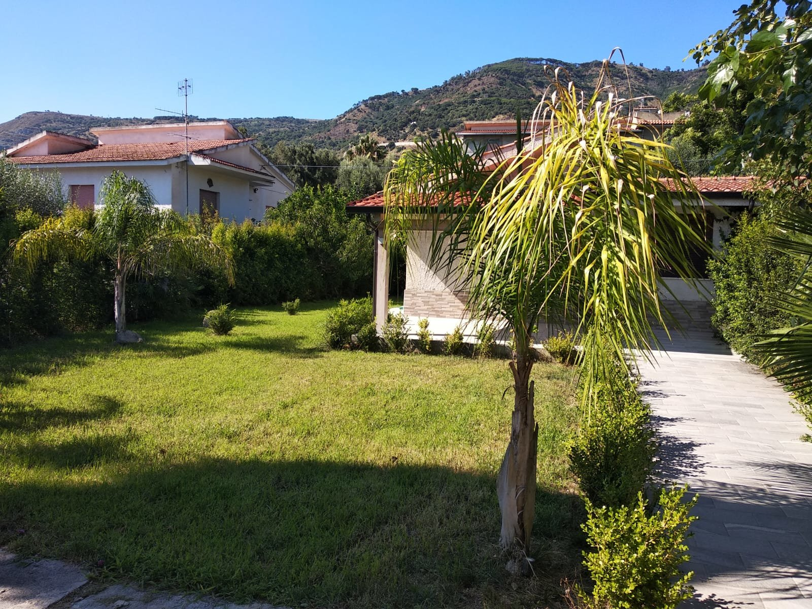 Villa 260 m from the beach - newly refurbished
