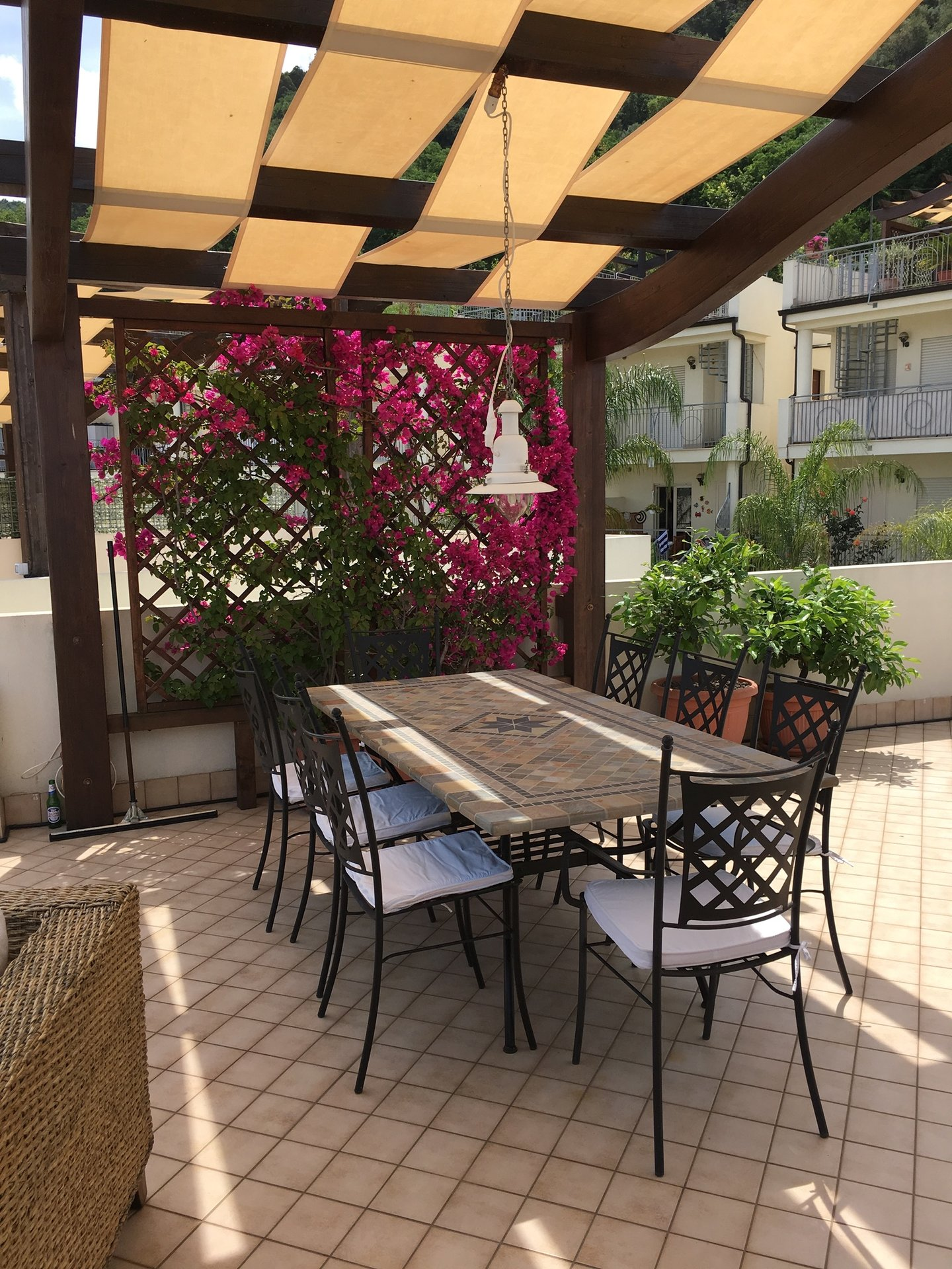 Easy to rent out - panoramic sea views - pool - rooftop solarium