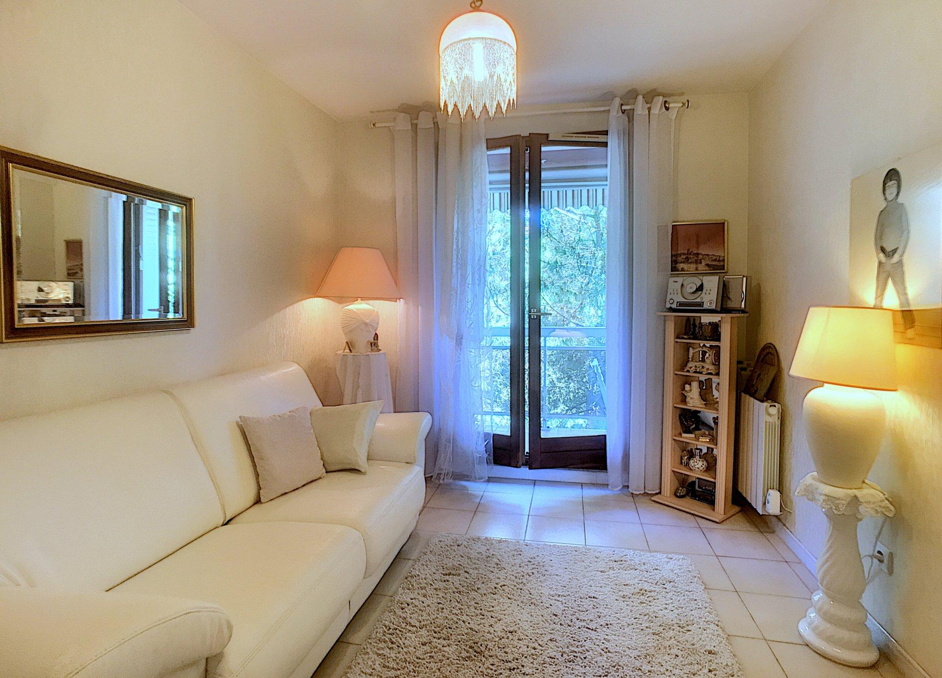 Försäljning Lägenhet 4 Rum Nice Fabron Terrasser Och Möjlighet Köpa Garage.