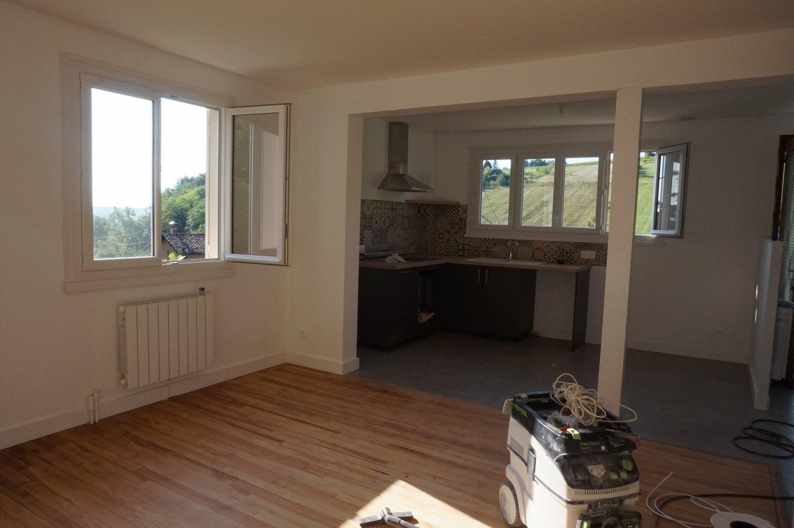 Sale Apartment - Ville-sur-Jarnioux