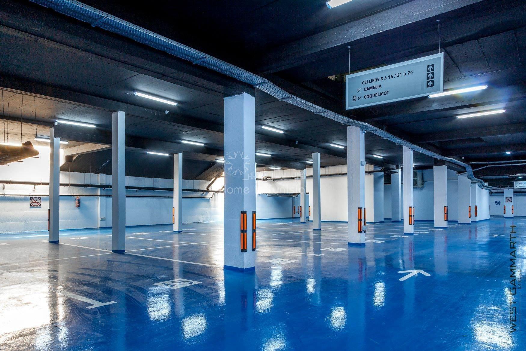 Nouvelle zone Gammarth Résidence de luxe neuve tout equipe avec plage aménagée privée à 20m