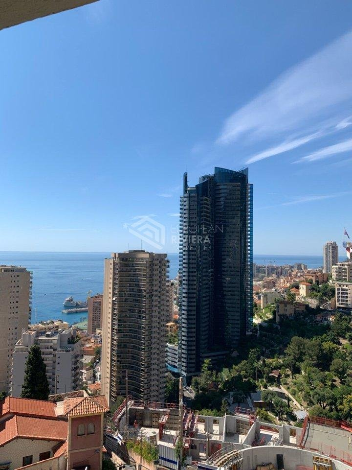 BEAUSOLEIL / MONACO - 4P of 75 m2 with sea view terrace