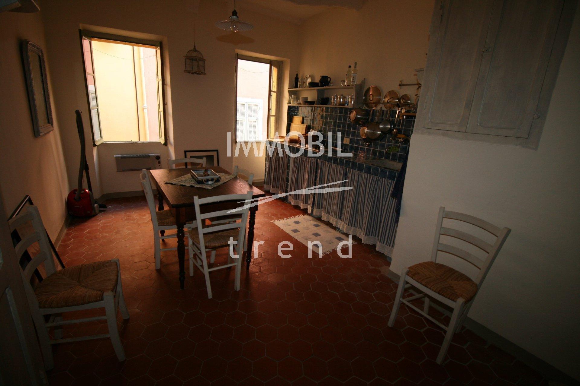 Mentone Vieille ville - Ampio monolocale in vendita