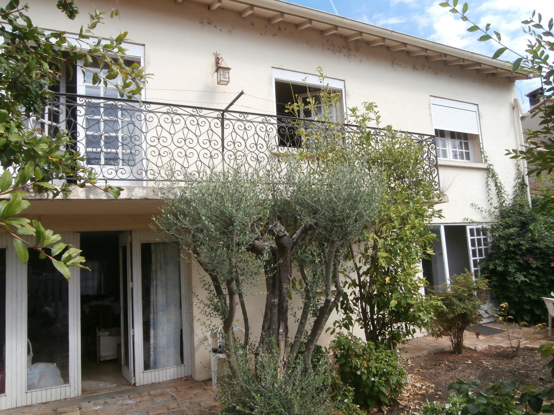 Villa T4 sur terrain de 300m² à Villeneuve les Maguelone  - gros potentiel