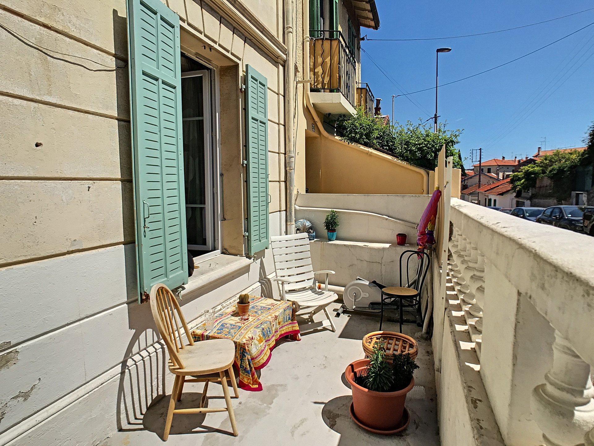 Cannes Stanislas, 2 pièces de 30 m2 avec terrasse ensoleillée