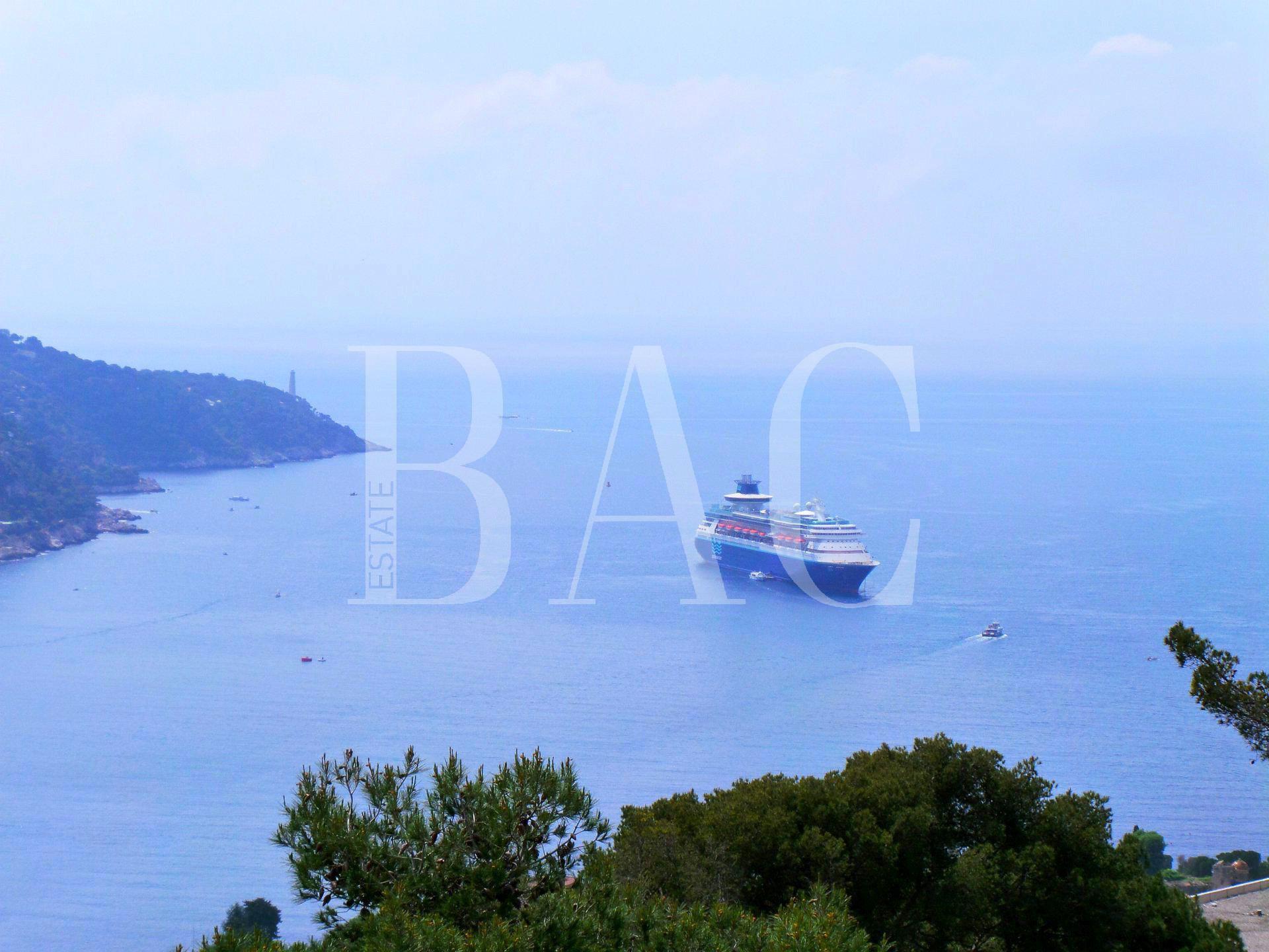 Villefranche-Sur-Mer à 900 mètres du Quai De l'Amiral Courbet et avec une formidable vue mer
