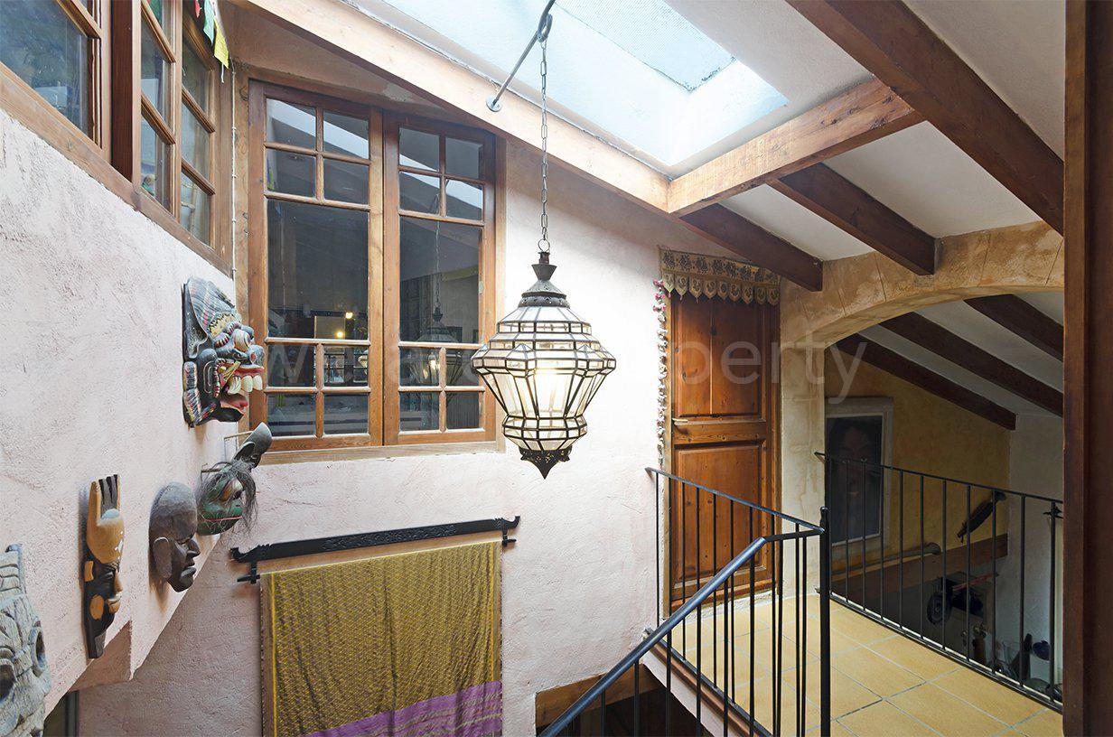 Beautiful house in popular area