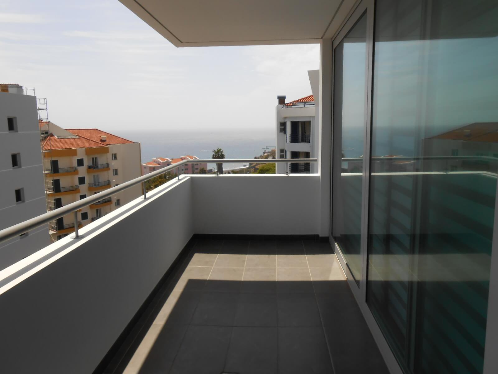 Modern  T3 Apartment Entirely Furnished and Equipped. Sea View.