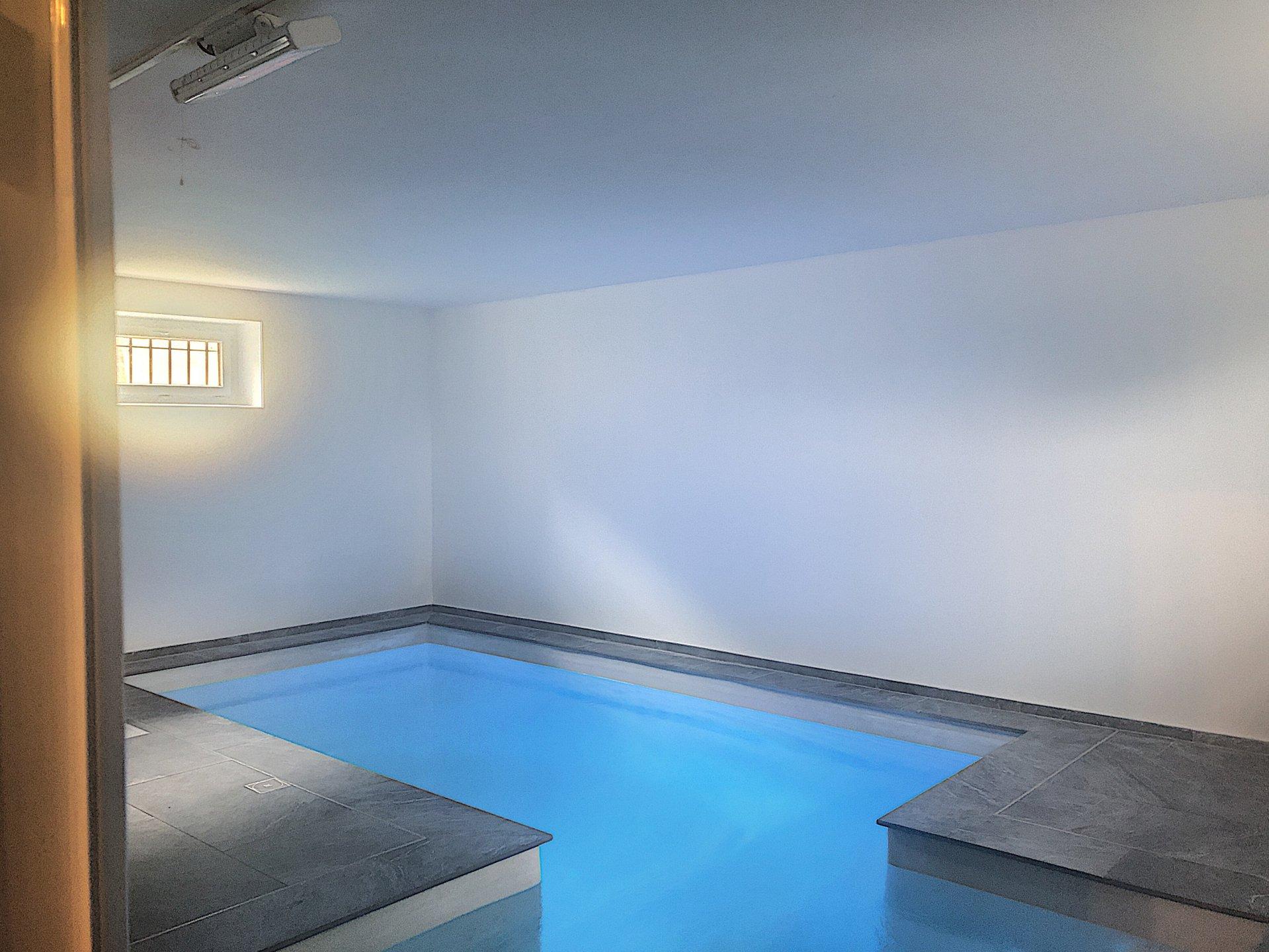 Cagnes sur mer - Villa 6 pièces - 260m2 - 2 piscines - Collettes
