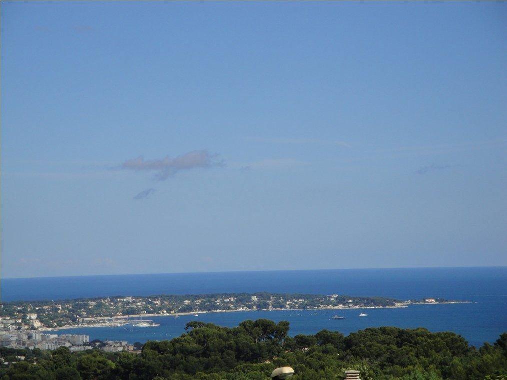Prachtige villa met zeezicht aan de Côte d'Azur
