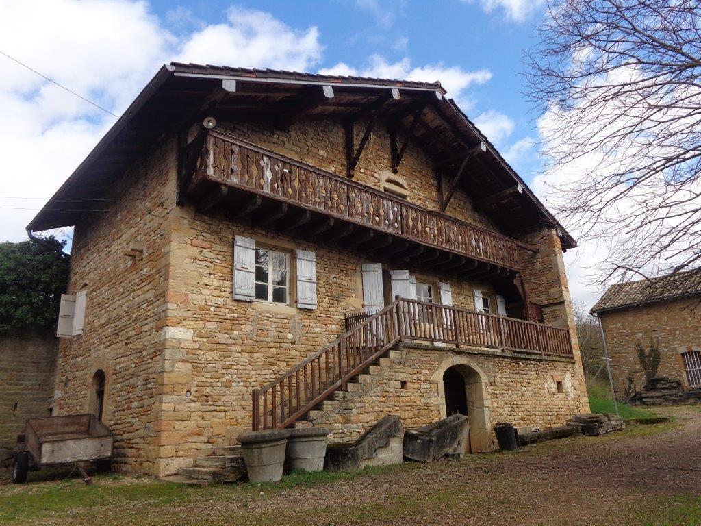 Mâcon  Magnifique Château XIIè remanié au XVIIè
