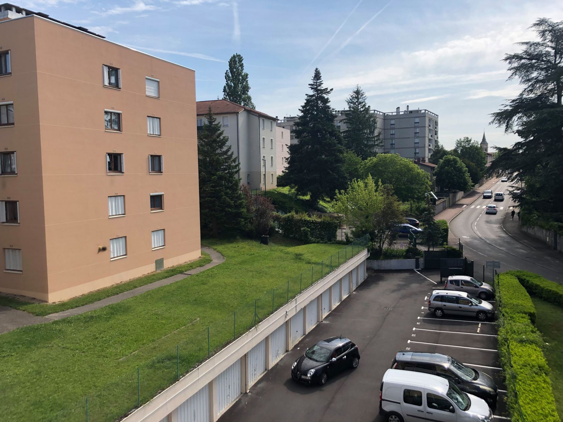 Appartement T4 de 79m² avec balcon, cave et parking