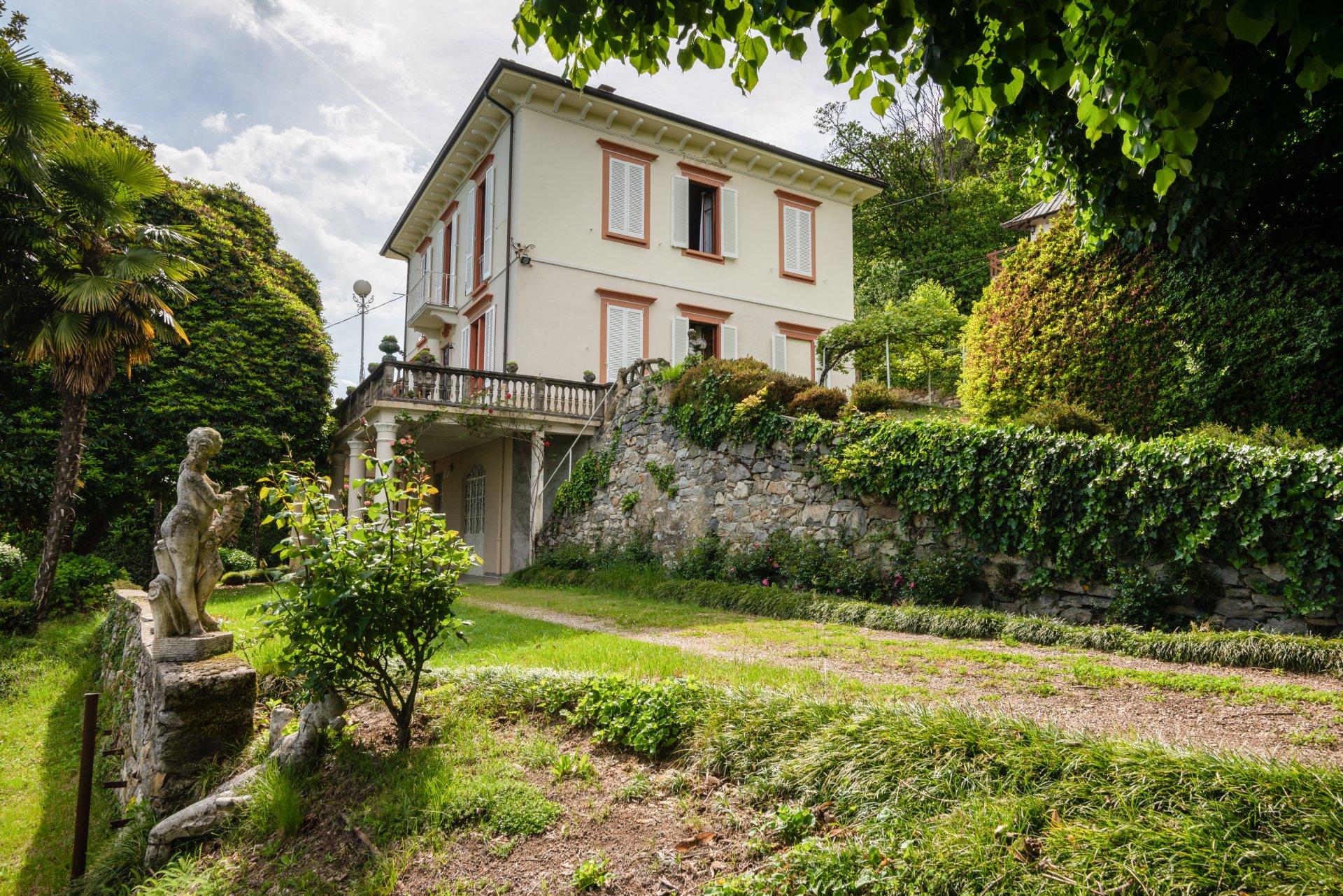 Proprietà storica in vendita al Lago Maggiore-immobile