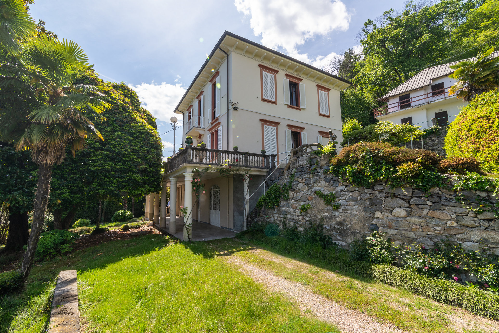 Historic property for sale on Lake Maggiore