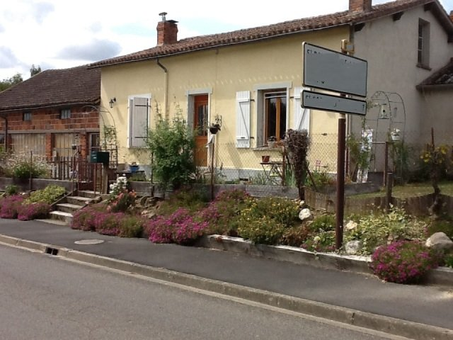 House with Workshop near Le Dorat in the Haute Vienne