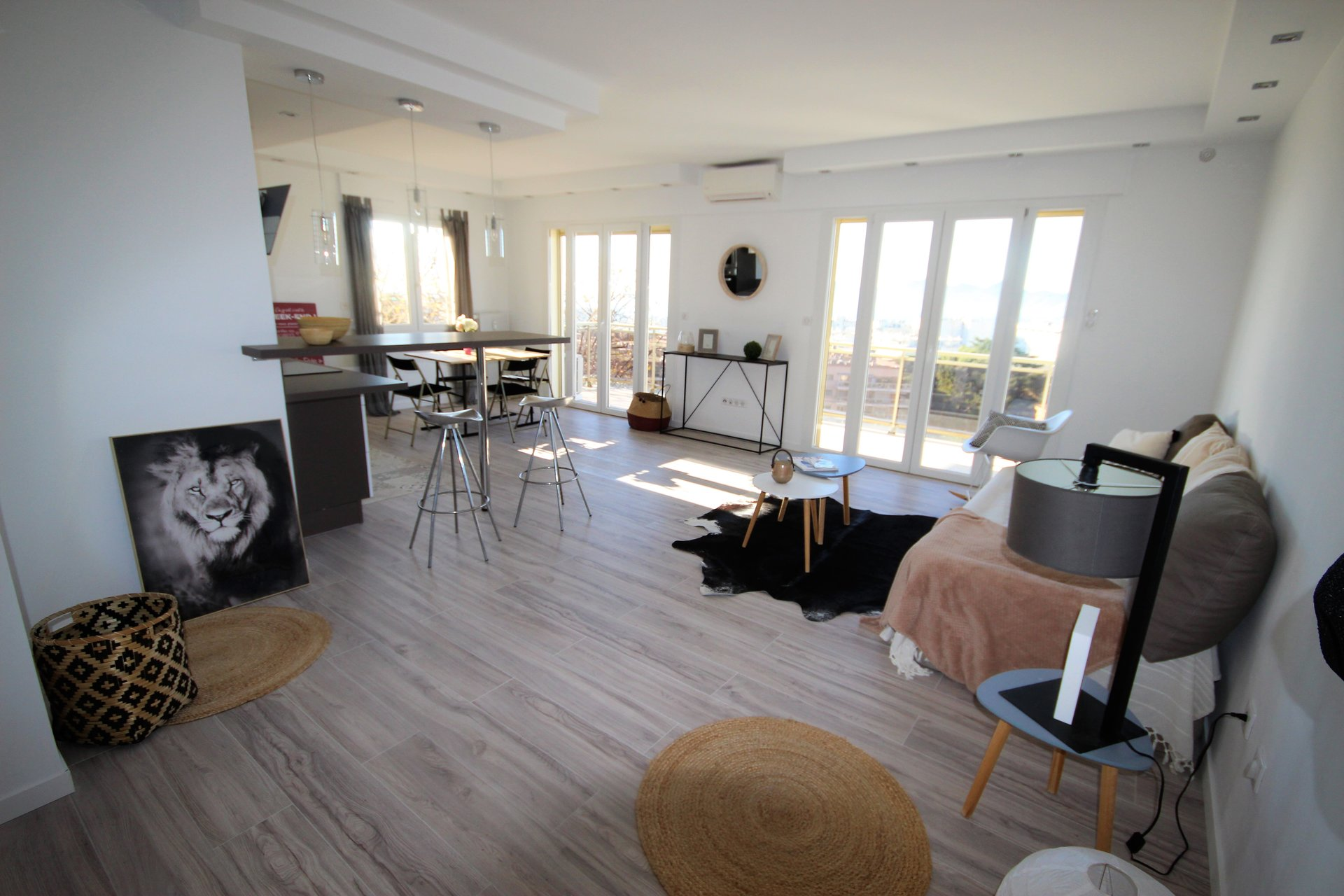 CANNES SALE 3 ROOMS IN CALM ABSOLUTE LAST FLOOR SEA VIEW