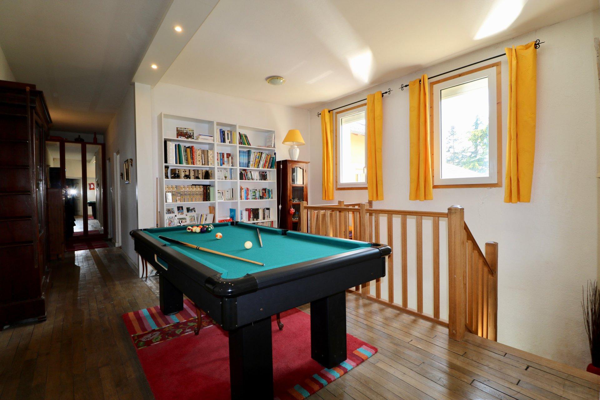 Maison 160m2 hab + garage sur terrain 1040m2