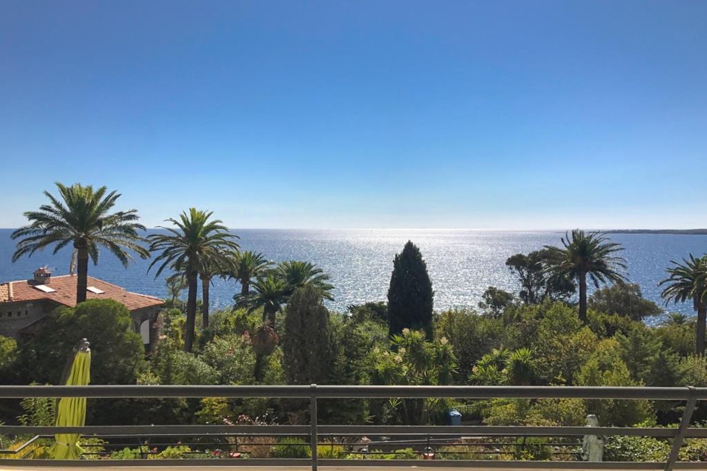 CANNES CALIFORNIE - BEAUTIFUL 2-BEDROOM APARTMENT