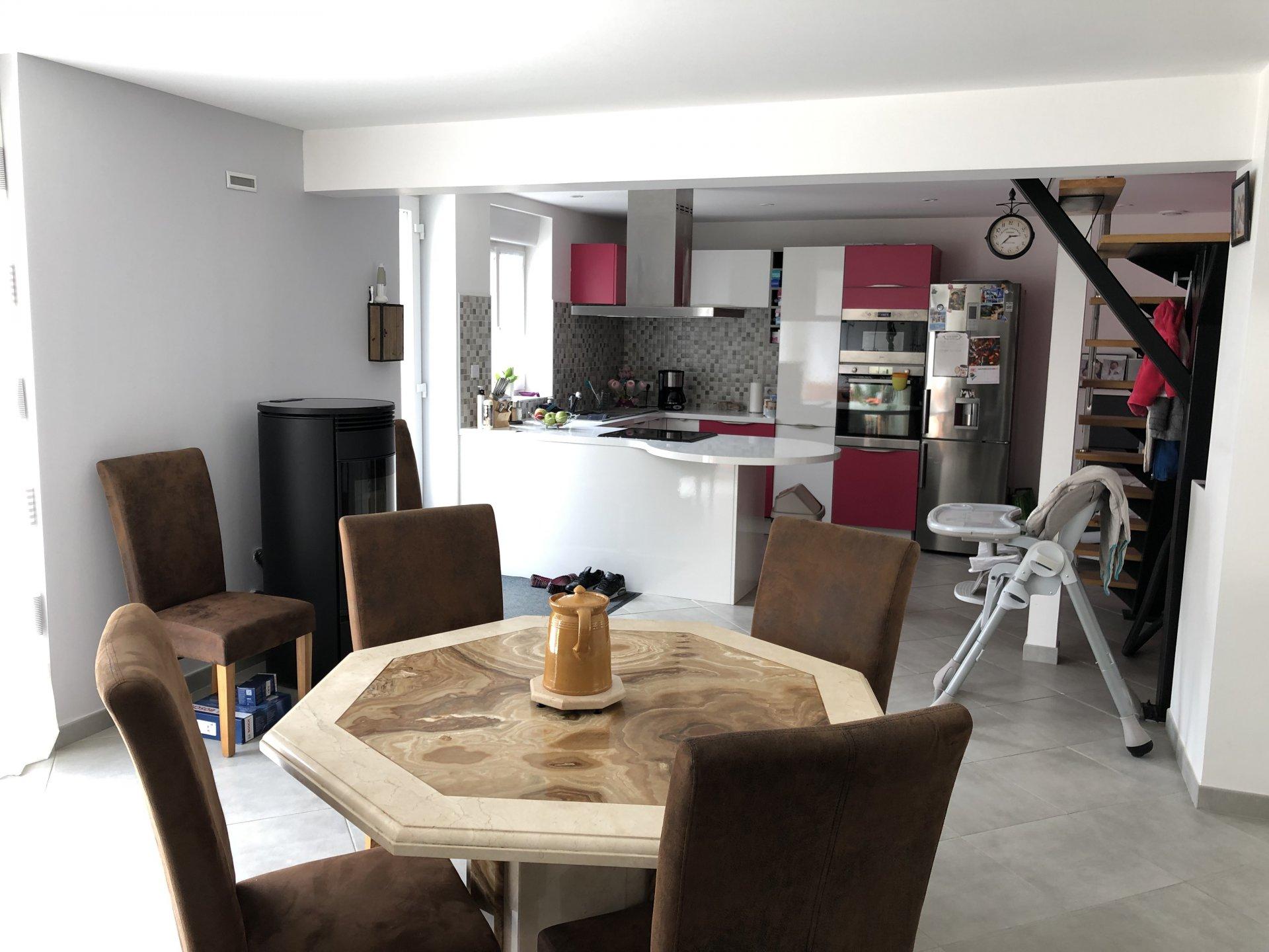 Sale House - Villeneuve Sur Yonne