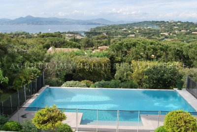 Pierredon area, seaview villa with two floors