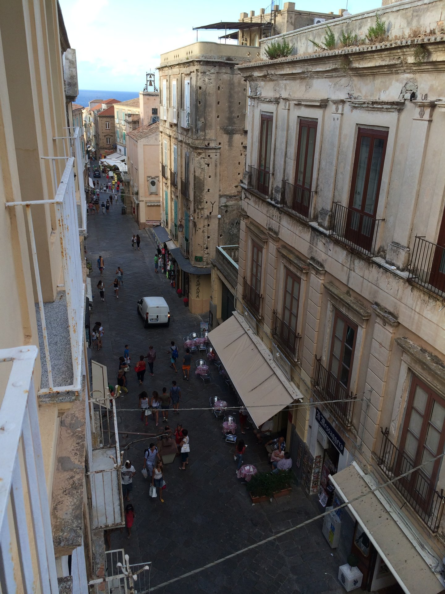 Apartment overlooking the Main Street in Tropea